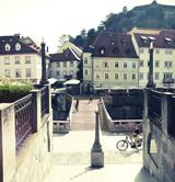 02-skupina-stajn-group-stajn-natecaj-ribji-trg-the-new-fish-pedestrian-bridge-across-ljubljanica-river-nabrezje-levee-naslovna-slika